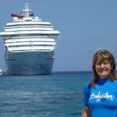 Carnival Conquest in Grand Cayman