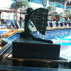Sculpture by the pool, Carnival Splendor