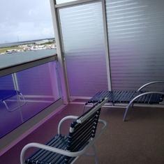 Balcony..two decks below cantilevered whirlpool. Quiet.