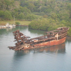 What is it's history. Roatan