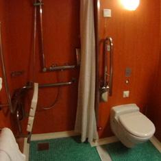 Wheelchair-accessible bathroom