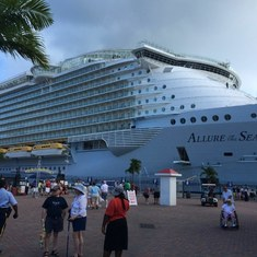 Allure of the Seas at port