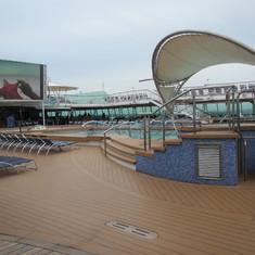 Deck 9 pool area