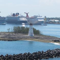 ship in port at nassau
