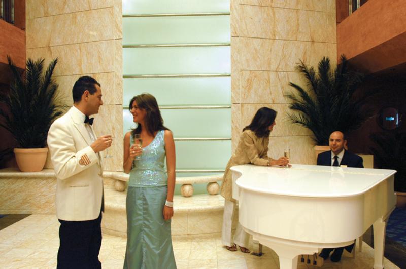 MSC Sinfonia lobby