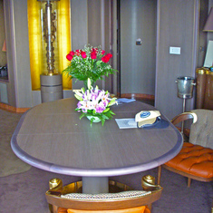 Ft. Lauderdale (Port Everglades), Florida - Penthouse Dinning Table
