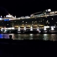 Quantum at night in Nassau