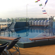 New York, New York - Pool at the back of the ship
