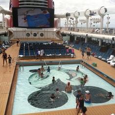 Family pools, Disney Dream