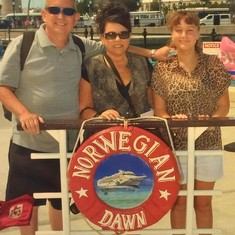 Tom, Sherri & Amy-Bermuda